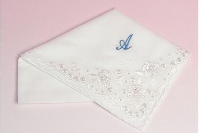 花嫁のハンカチをお求めなら【ちゃーむ】へ~イニシャルやお名前の刺繍を入れることが可能~