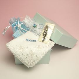 サムシングフォーの4点セット 名入れ刺繍 選べる花嫁ハンカチ